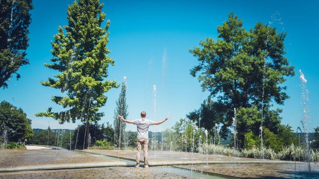 Dordogne jardin fontaine Richard