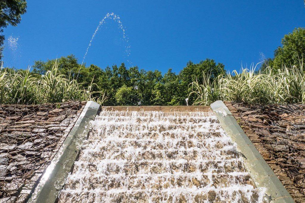 Terrasson cascade jardin Périgord