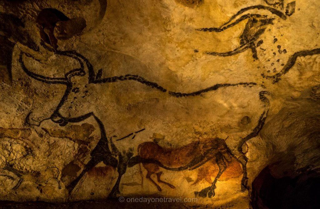 Grotte Lascaux 2 salle des taureaux Dordogne