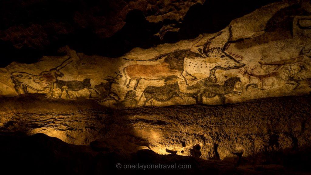Grotte Lascaux 2 salle des taureaux Périgord
