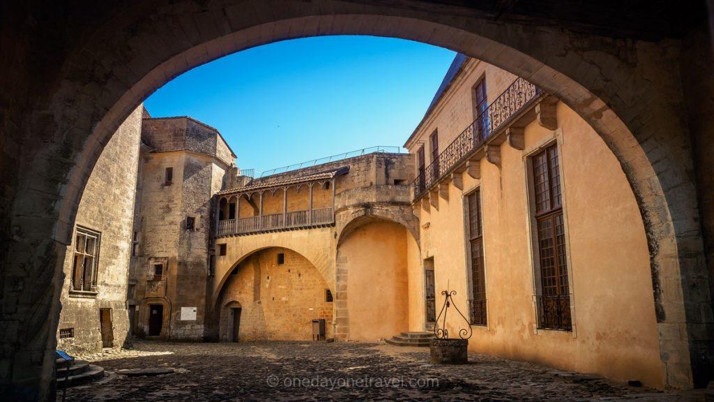 château de Biron architecture