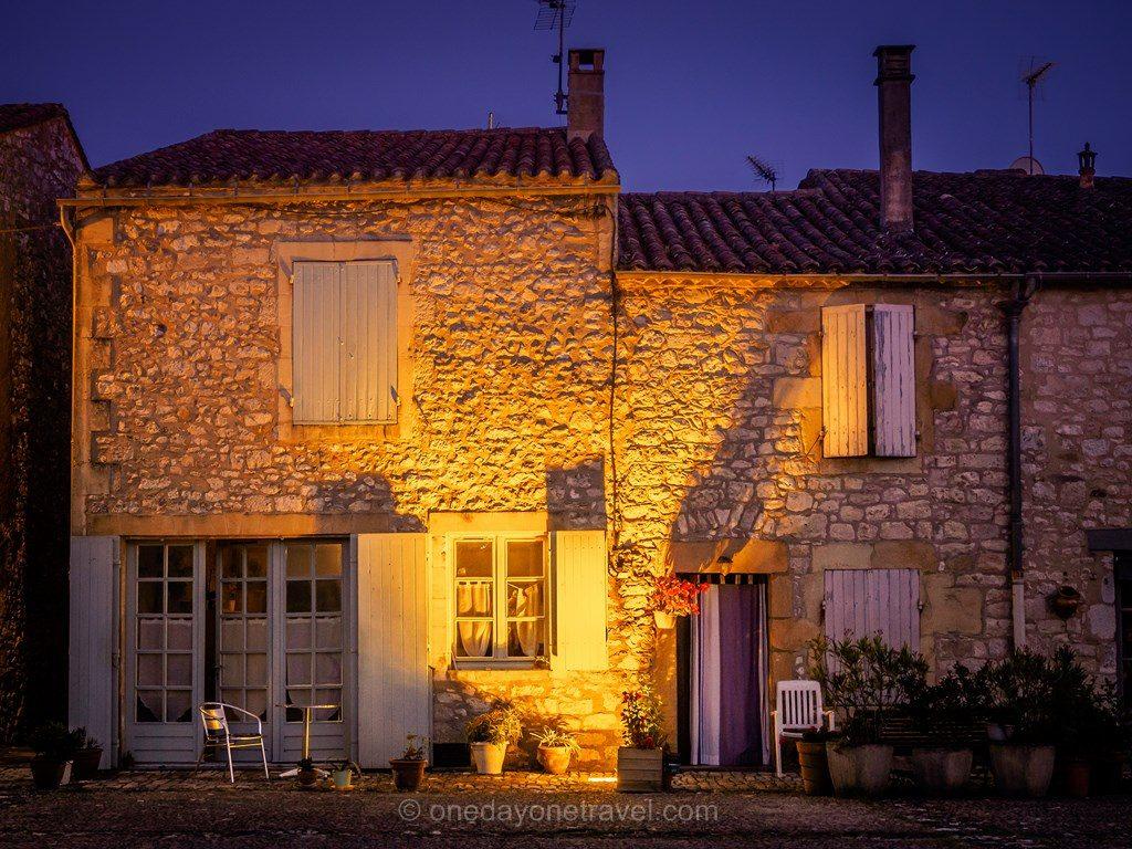 Monpazier Dordogne architecture