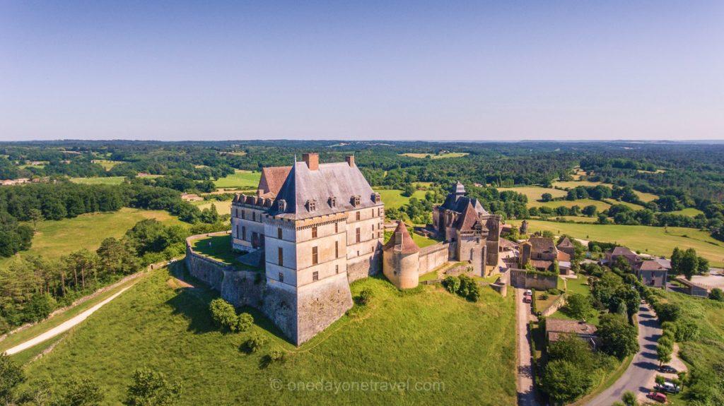 château de Biron drone