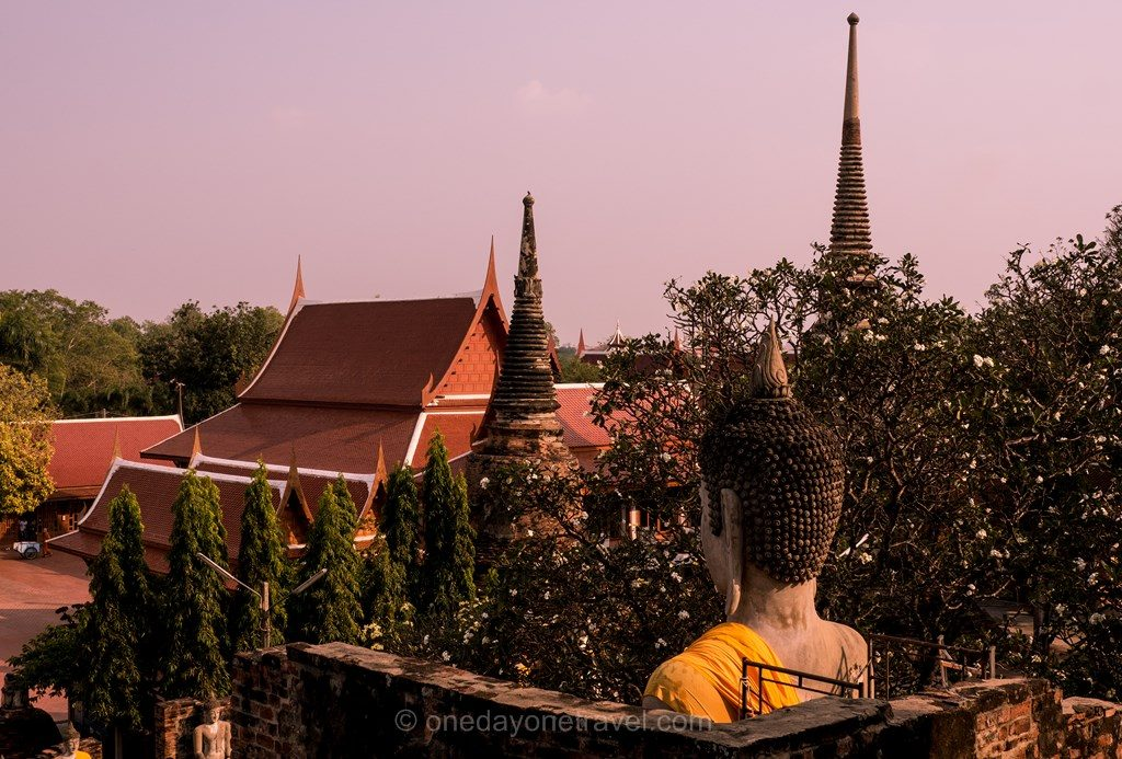 Ayutthaya temple bouddha sunset