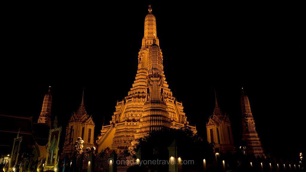 Bangkok Wat Arun de nuit