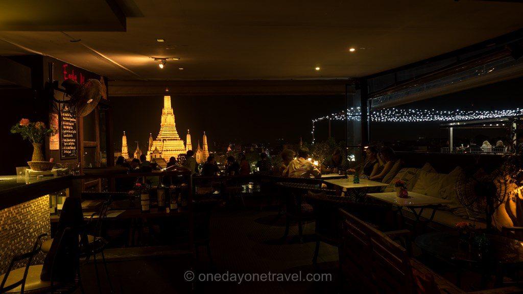Bangkok Wat Arun nuit depuis Eagle Nest