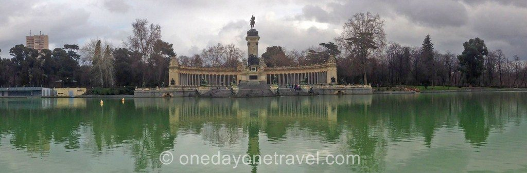 City Guide Madrid Parc Retiro Madrid lac
