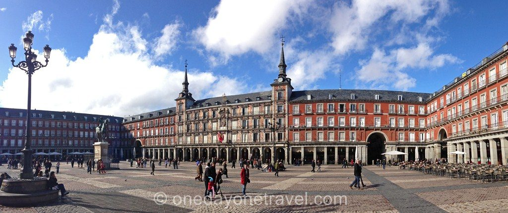 City Guide Madrid Plaza Mayor