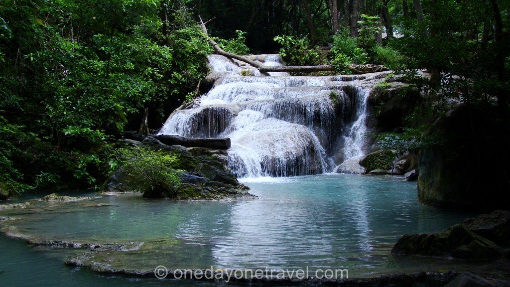 Erawan piscine naturelle Kanchanaburi Thaïlande Blog Voyage OneDayOneTravel