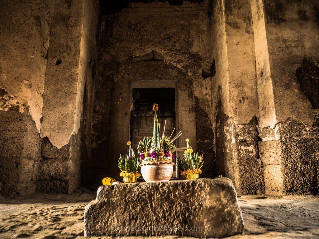 Lopburi Thaïlande temple intérieur