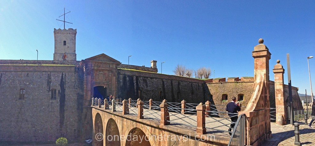 Montjuic barcelone blog voyage château