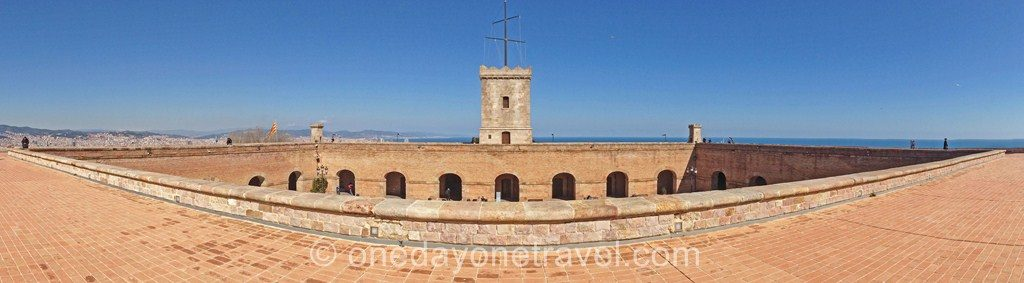 Montjuic barcelone blog voyage chateau panoramique