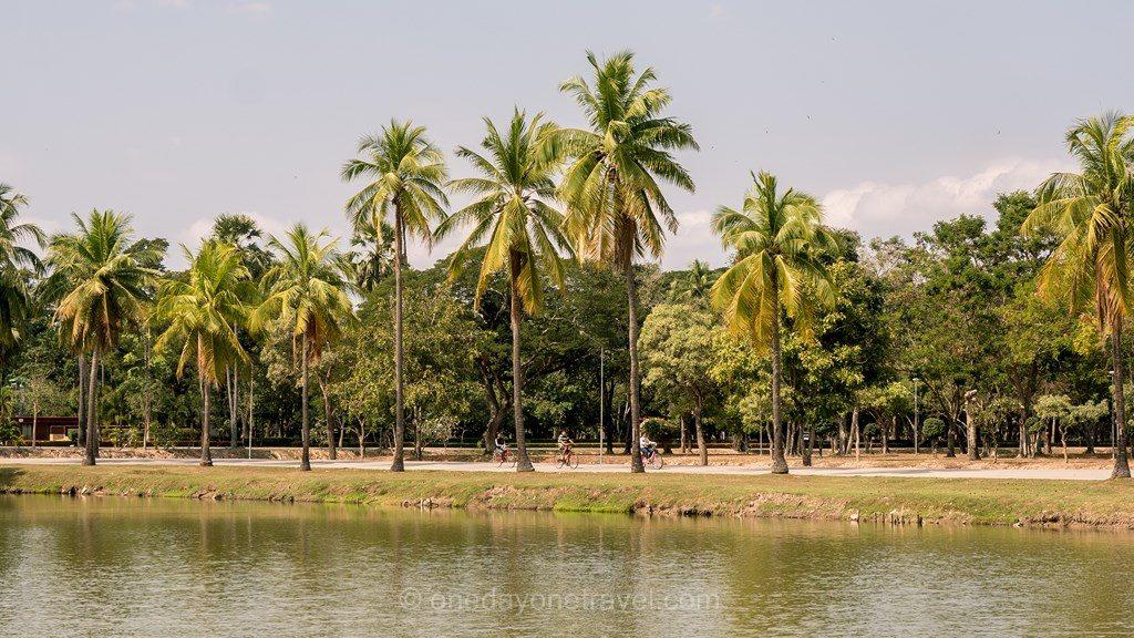 Sukhothai parc historique en vélo