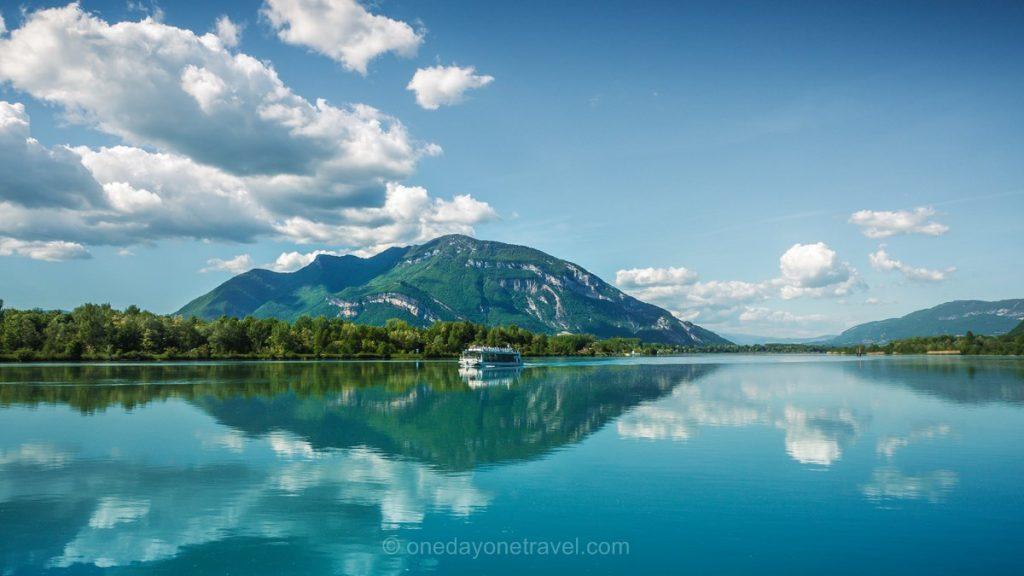 ViaRhona lac bourget bateau et grand colombier