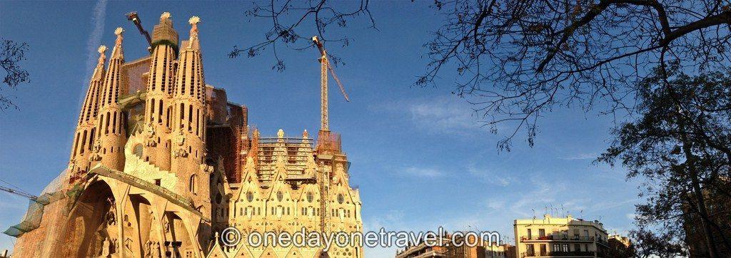 Visiter Barcelone pour la première fois Sagrada Familia panoramique