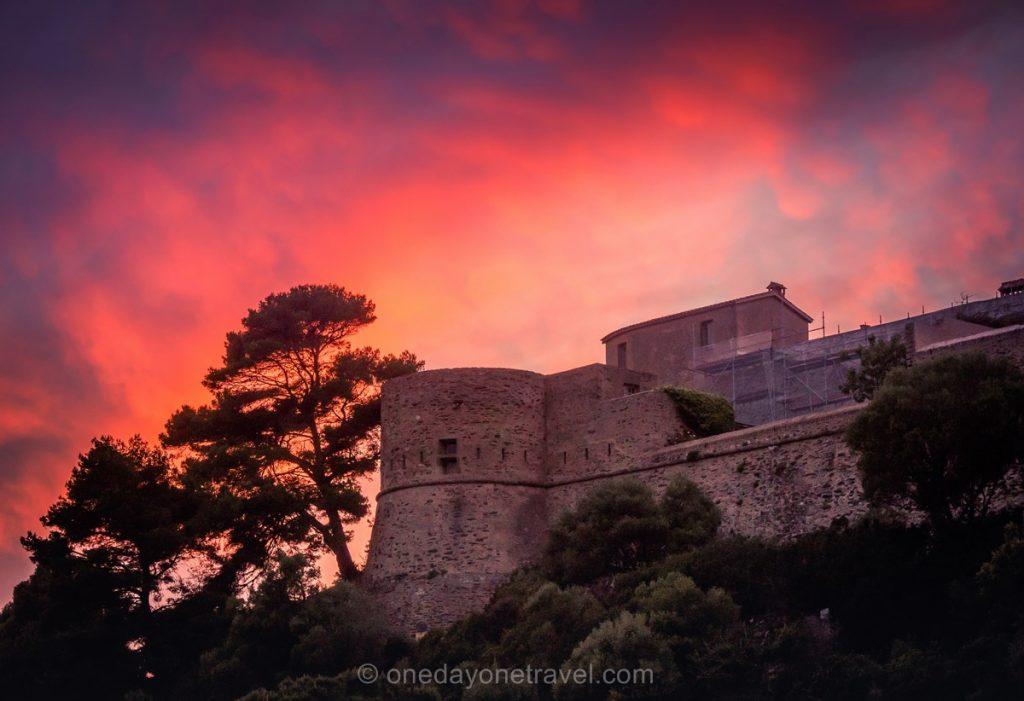 Coucher de soleil sur le fort de Port-Cros