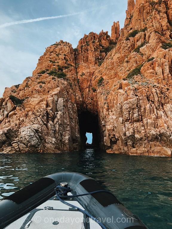 Les Calanques de Piana depuis la mer en zodiac avec PortoLinea
