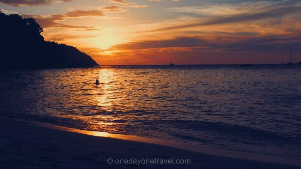 Coucher de soleil sur Koh Lipe Sunset beach