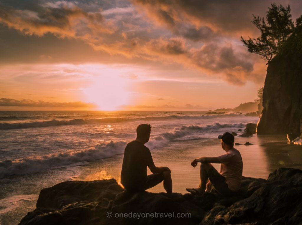 Plage de Ti Sable Ile de la Réunion au coucher du soleil