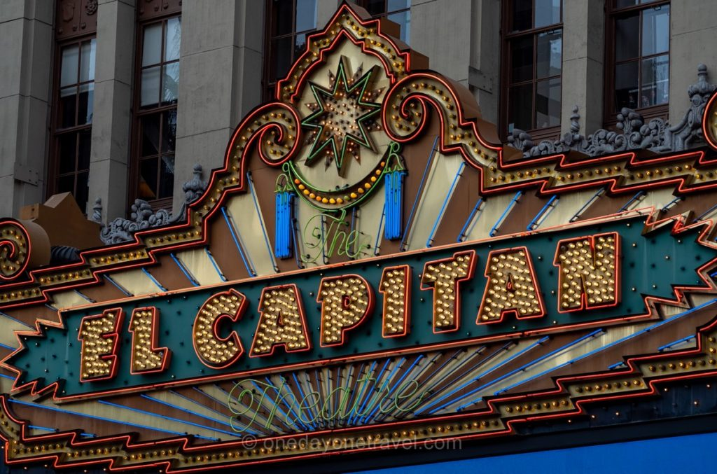 Panneau El Capitan - Visiter Los Angeles et Hollywood boulevard