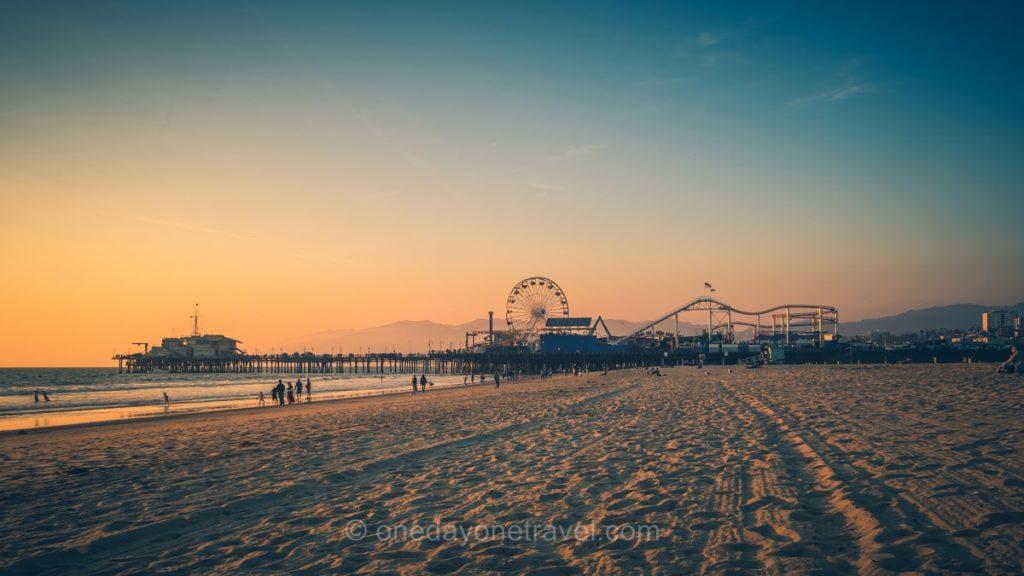 Coucher de soleil sur la plage de Santa Monica - Visiter Los Angeles