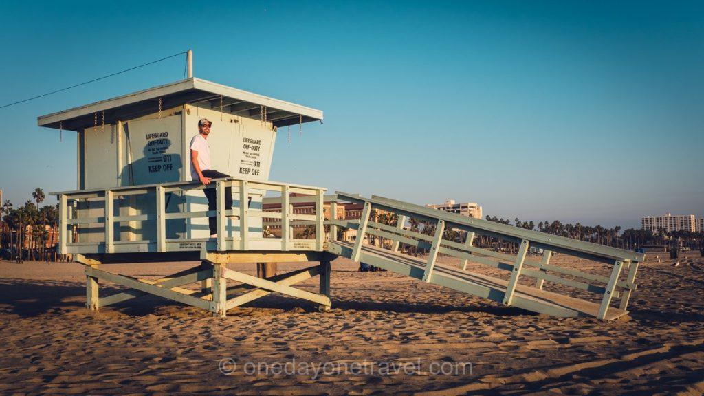 Cabane des sauveteurs en mer - Plage de Santa Monica à Los Angeles