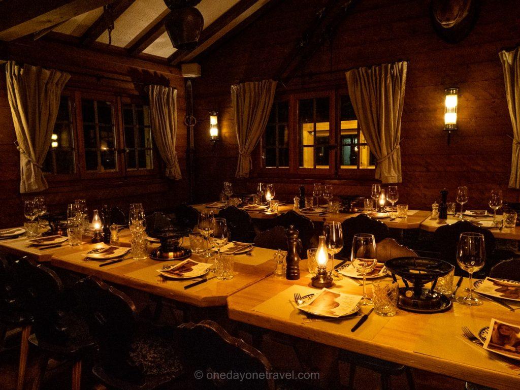 Salle du restaurant d'altitude Chez Dany dans la station de sport d'hiver de Verbier