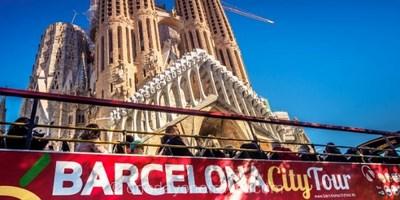 Visite guidée sur l'univers de Gaudi avec billet coupe-file de la Sagrada familia inclus