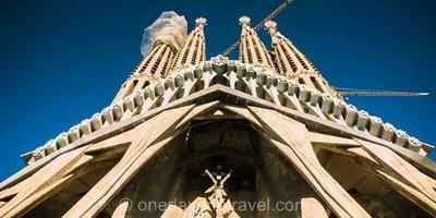Visite guidée COUP DE COEUR de la Sagrada Familia et des tours avec Billet coupe-file inclus