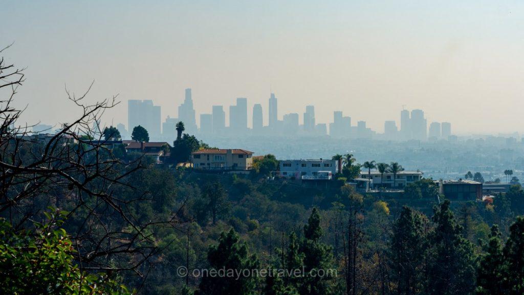 Vue panoramique sur Los Angeles depuis Mulholland drive
