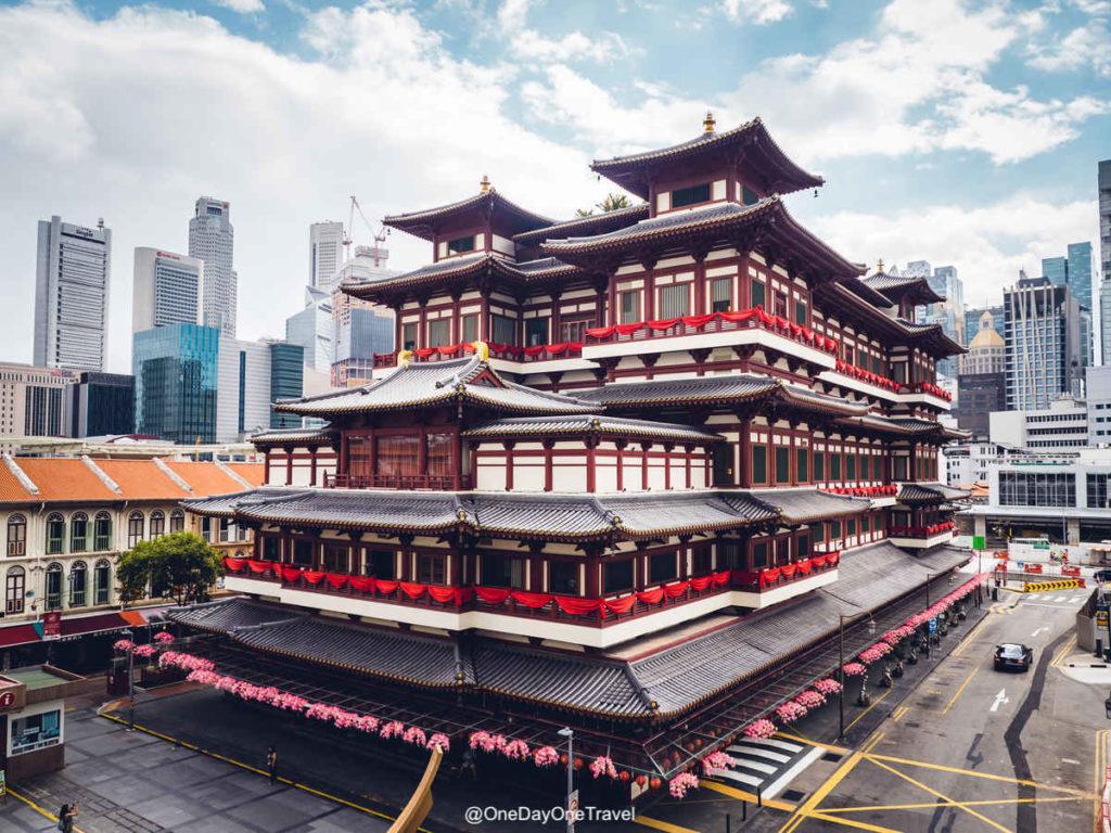 Singapour temple dent de bouddha interieur exterieur