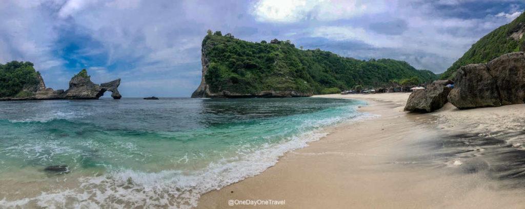 Atuh beach plage Nusa Penida vue sur l'arche