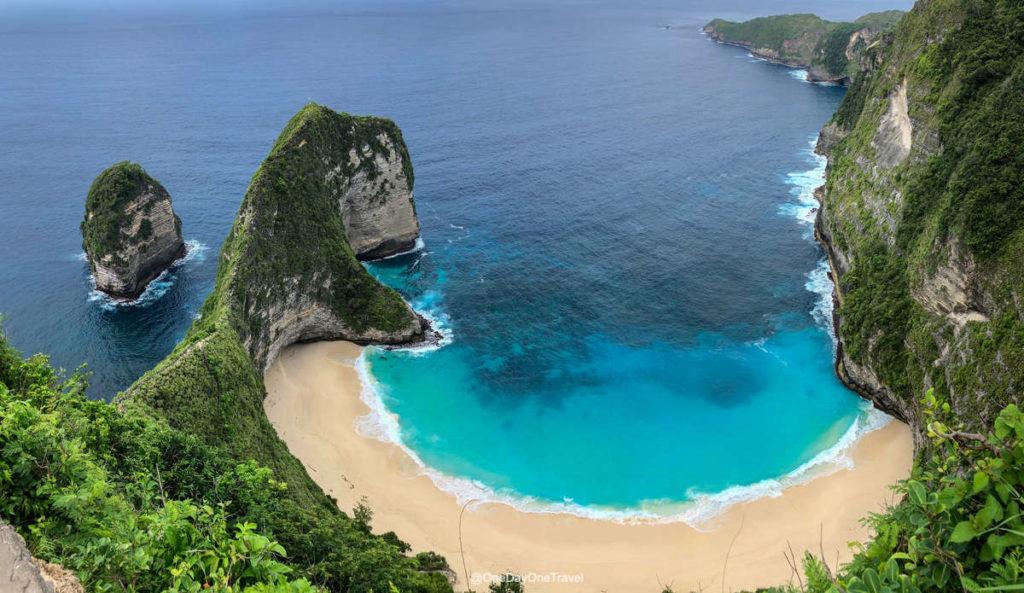 Vue iconique de la plage de Kelingking - Blog voyage OneDayOneTravel