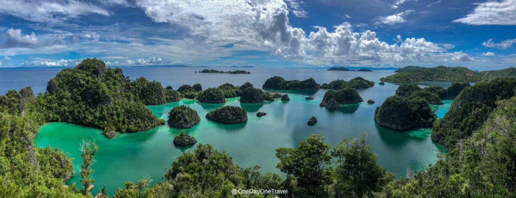 Visiter Piaynemo vue iconique des Raja Ampat - Conseils de blogueurs voyage pour s'y rendre