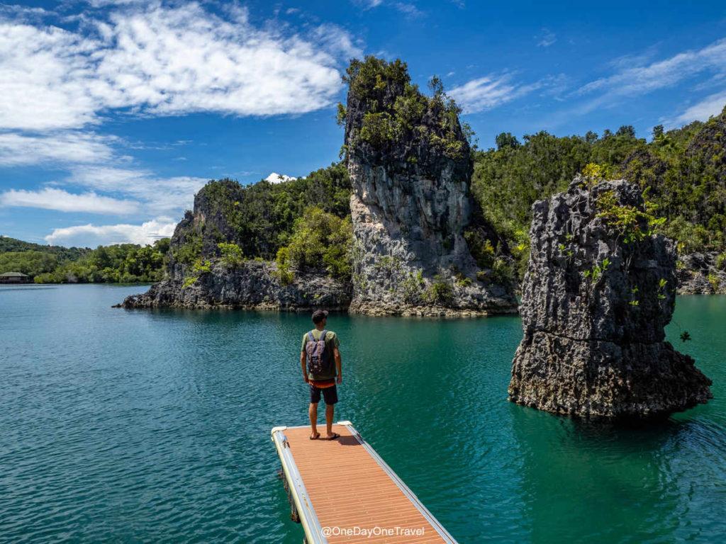 Arrivée au spot touristique de Star Lagoon à Raja Ampat Indonésie