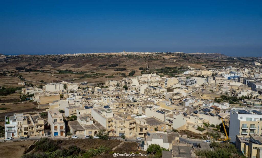 Vue panoramique depuis les fortifications de la Citadelle de Gozo à Malte